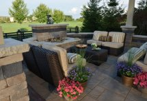 Patio and water feature with Beacon Hill Flagstone Copthorne and Il Campo paver